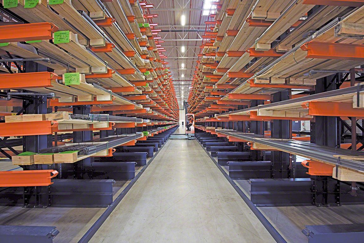 Estantería cantilever para almacenar mercancías