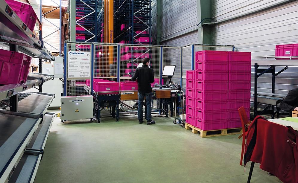 En el miniload automático de SCD Luisina se almacenan más de 4.000 cajas con los productos de medianas y pequeñas dimensiones