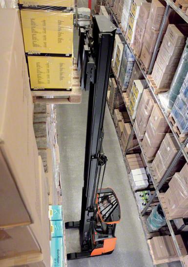 Los montacargas son los más usados para trabajar dentro de las bodegas.