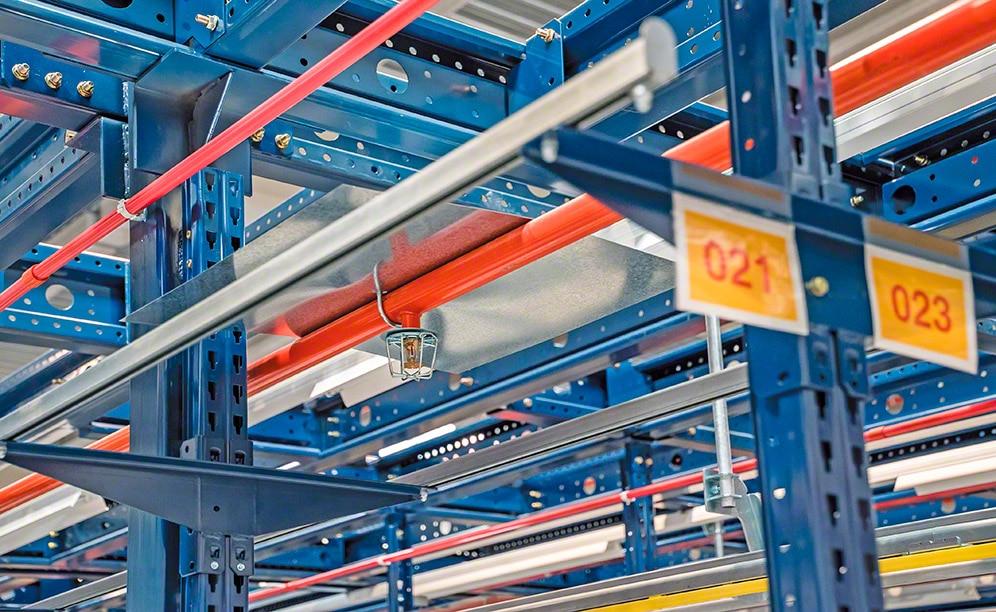 Medidas de protección para las estanterías metálicas y las bodegas frente al riesgo de incendio