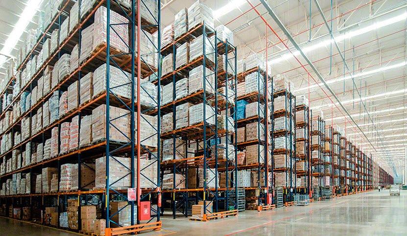 Capacidad de almacenaje y agilidad en la nueva bodega de Armazém Mateus