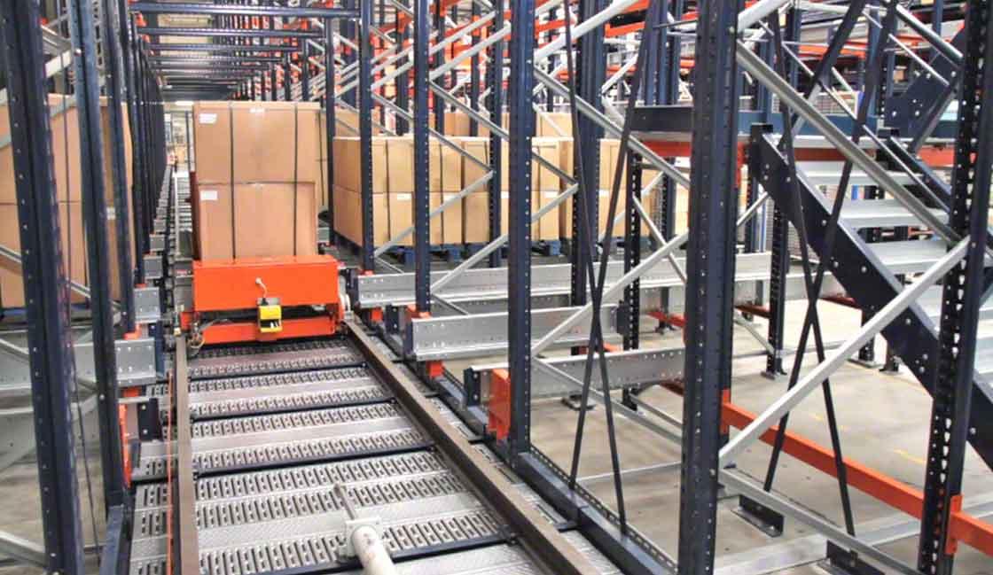 Sistema de Pallet Shuttle automático, ejemplo de la aplicación de la inteligencia artificial en logística