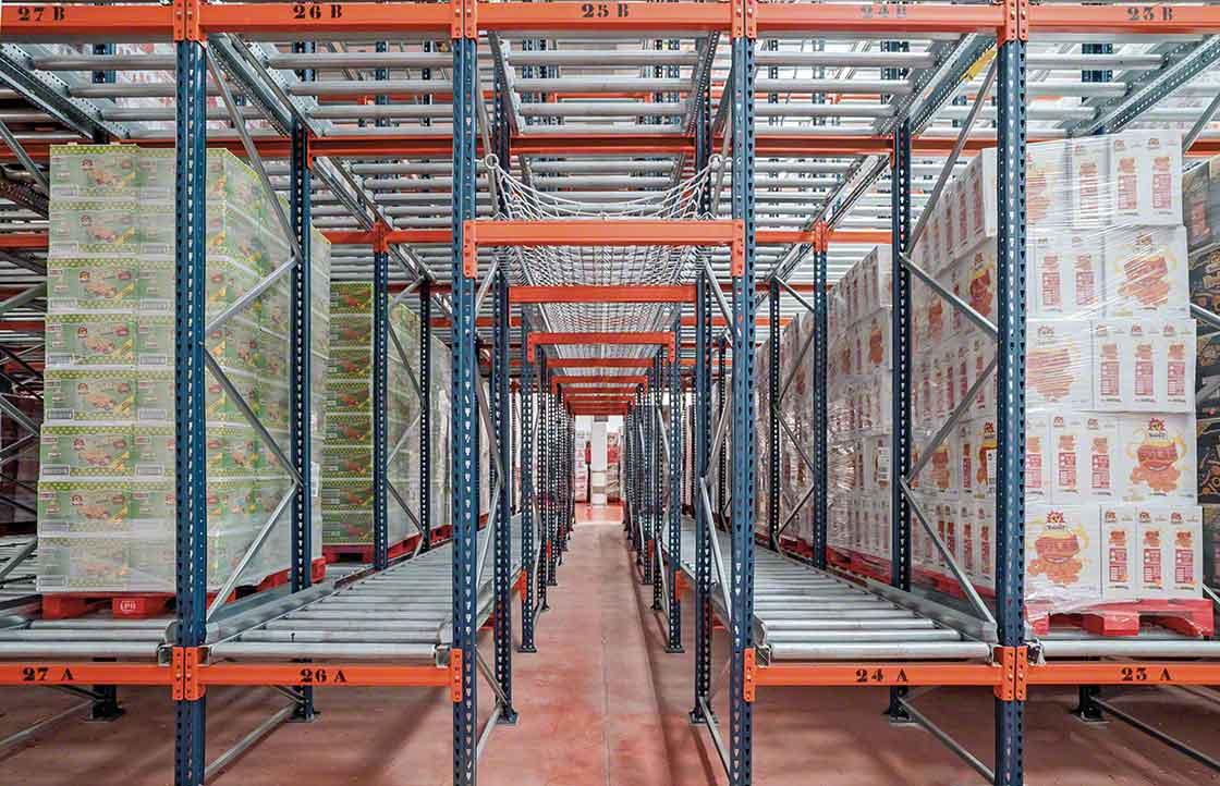 Los sistemas de almacenaje dinámico cuentan con pasillos de seguridad para casos de emergencia
