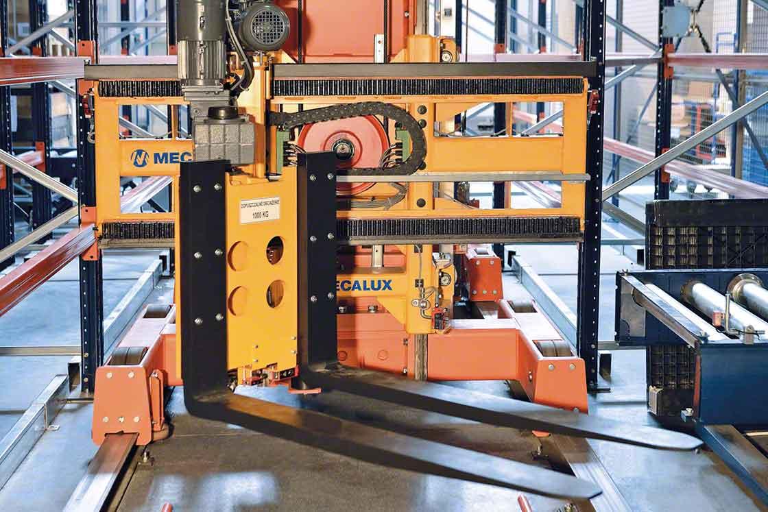 Los transelevadores de estibas aceleran el transporte de mercancías en los procesos intralogísticos