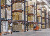 Dos sistemas de almacenaje en el centro de distribución de Eurofred en España